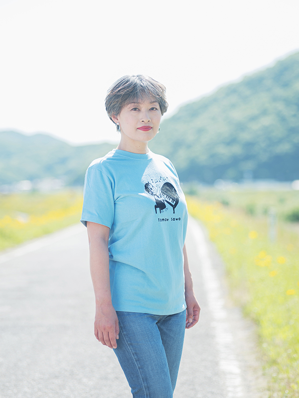 「ともえTシャツ」